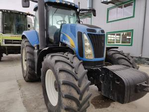 Трактор New Holland T8010